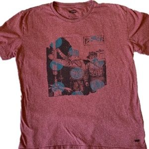 Levi's Men's pink graphics T-shirt Size XL